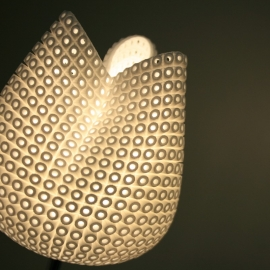 Tulip.MGX Table lamp - Peter Jansen -40%
