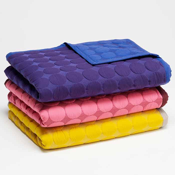 Couvre lit design tous les objets de d coration sur elle maison - Couvre lit moderne design ...